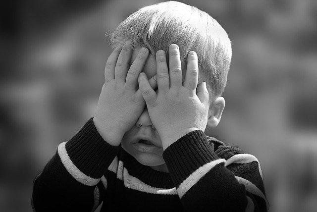 Condena a municipio a pagar $10MM por concepto de daño moral, por accidente de un menor en juegos infantiles en una plaza pública. Rol N° 22.958-2014.