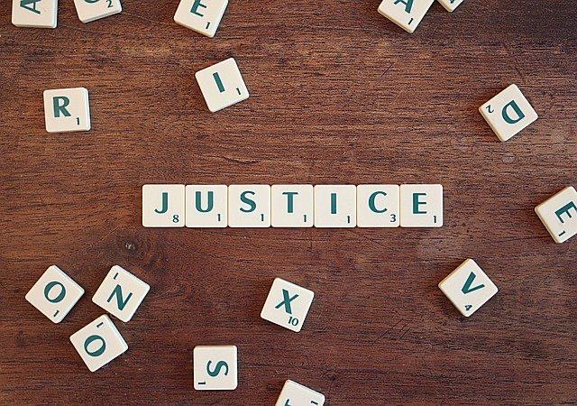 Corte Suprema, pacto de separación de bienes no tiene valor en juicio si se omite el inventario y tasación exigido por el legislador. Rol Nº 2000-04.