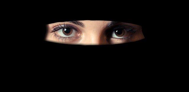 Acoso laboral o mobbing por ser musulmana. Sentencia, discriminación religiosa se encuentra prohibido tanto en la legislación nacional como internacional.