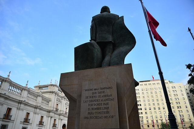 Sentencia de Corte Suprema confirma sobreseimiento total y definitivo en causa de Salvador Allende.
