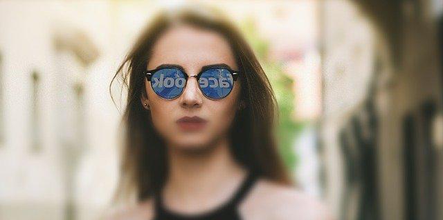 """Corte de Apelaciones de Santiago ordena al recurrido y/o al administrador de la cuenta de facebook, eliminar a la recurrente de """"lista negra de audiovisuales""""."""