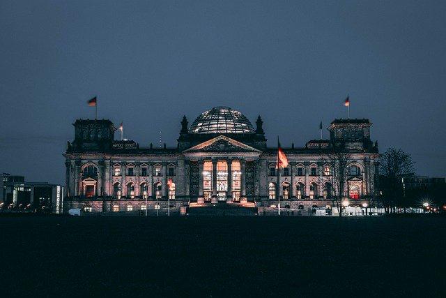 Derecho a la autodeterminación informativa nació de la sentencia del Tribunal Constitucional Federal alemán de 15.12.1983
