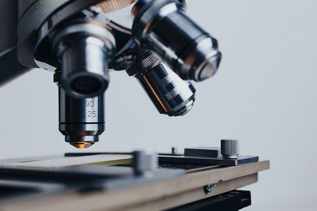 C. Suprema condena a servicio de salud a pagar una indemnización de $10.000.000 por error de diagnóstico que derivó en amputación de dedo lesionado